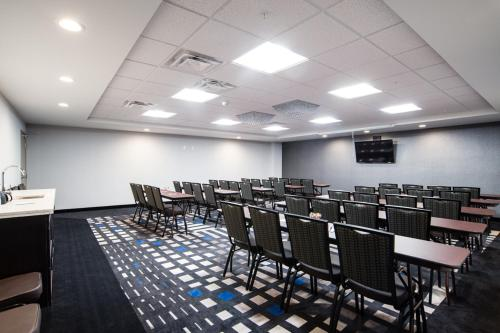 Western Star Signature Hotel & Conference Centre - Estevan, SK S4A 3A1