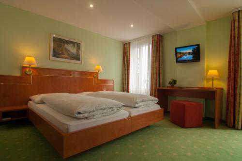 Comfort Doppelzimmer mit Balkon und Seeblick (Comfort Double Room with Balcony and Lake View)