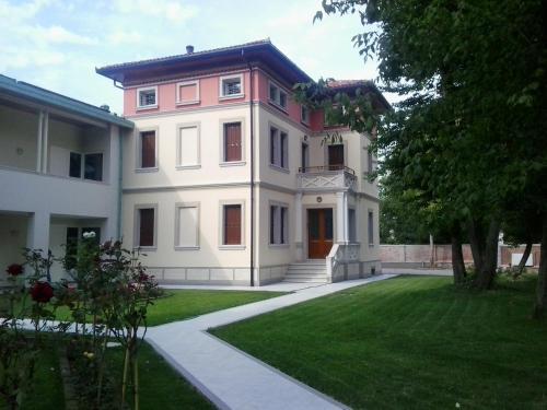 . Villa delle Rose