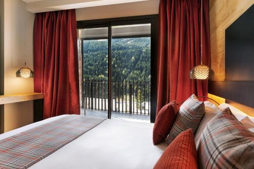 Фото отеля Park Piolets MountainHotel & Spa
