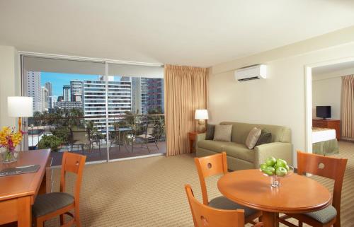 Pearl Hotel Waikiki - Honolulu, HI 96815