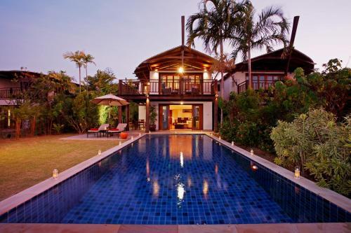 51/7 Moo 6 Koh Keaw, Amphoe Mueang Phuket, Phuket 83000, Thailand.