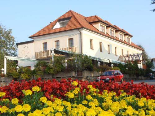 . Hotel Geier
