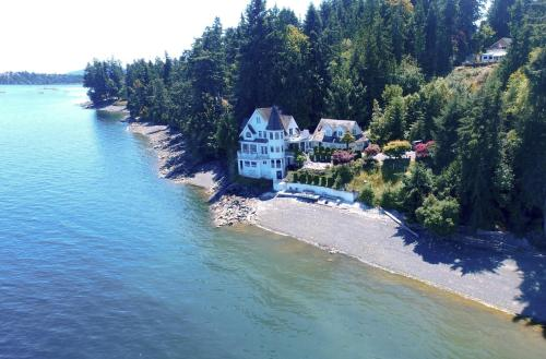 Vancouver Island Castle Cove Inn - Hotel - Chemainus
