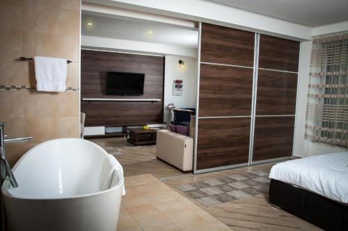. Boutique H&M Lux Apartment
