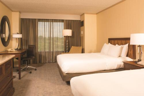 DoubleTree Hotel Tulsa At Warren Place - Tulsa, OK 74136