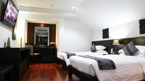 Tara Angkor Hotel room photos