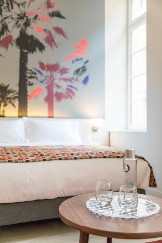 21 Rue du Marché, 06300 Nice, France.