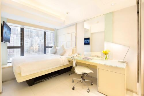 iclub Sheung Wan Hotel Номер iBusiness Premier с кроватью размера «queen-size»