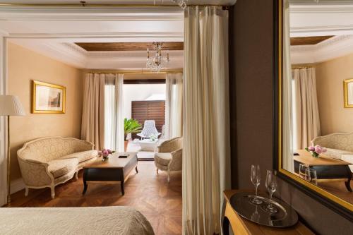 Deluxe Premium Zimmer mit Zustellbett Hotel Casa 1800 Sevilla 21