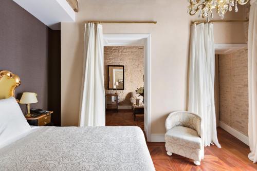 Deluxe Premium Zimmer mit Zustellbett Hotel Casa 1800 Sevilla 24