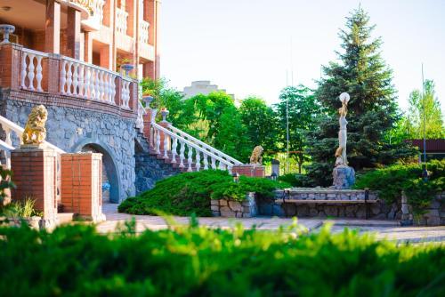 . Hotel Mon Senior