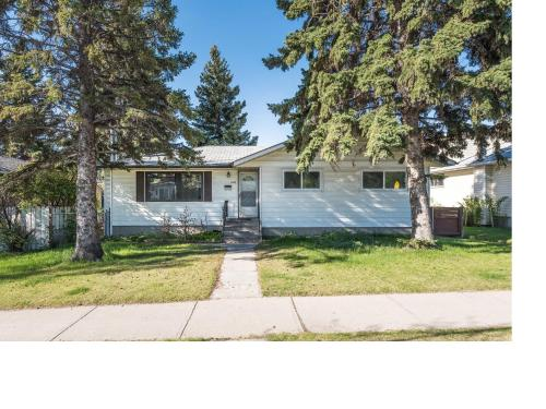 6 Bedroom House Near U Of C - Calgary, AB T2L 0C1