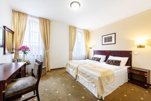 . Hotel & Apartments U Černého orla