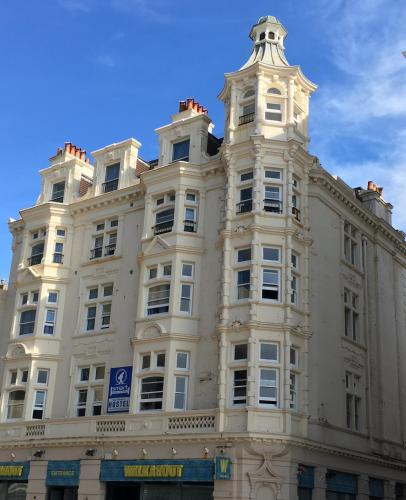 Brighton Beach Inn, Brighton