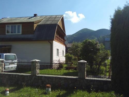 Homestay Opryshky - Hotel - Tatariv