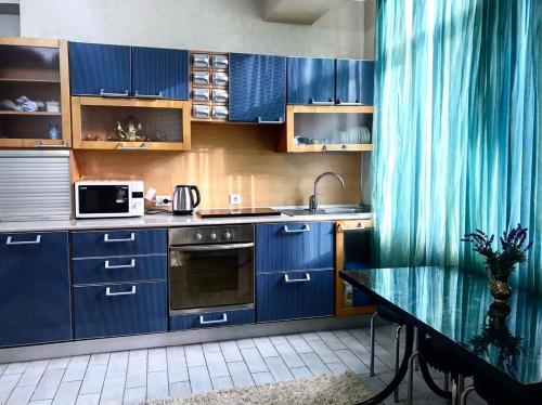 Apartment On Pereulok Privolnyi 8-1
