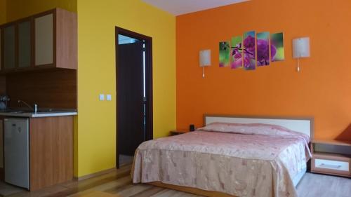 Tes Flora Apartments - Photo 8 of 190