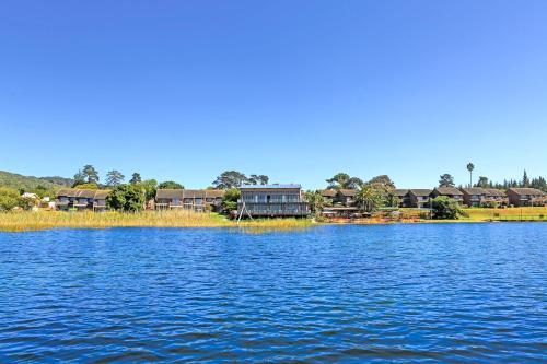 Pine Lake Marina (B&B)