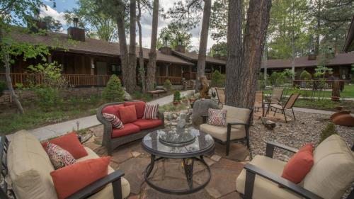 Shadow Mountain Lodge and Cabins - Chalet - Ruidoso