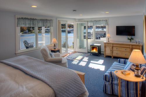 Blue Heron Seaside Inn - Boothbay Harbor, ME 04538