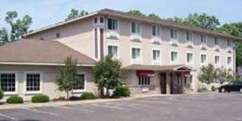. Budget Host Inn & Suites North Branch