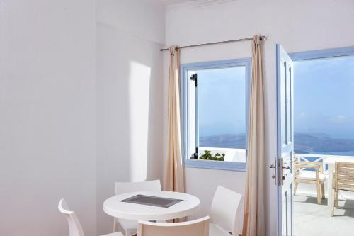 Superior Suite with Caldera View