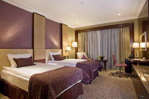 Executive Premier Twin Room with Executive Lounge Access