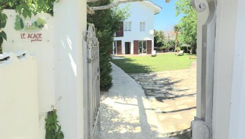 Guest House Le Acacie - Apartment - Spoltore