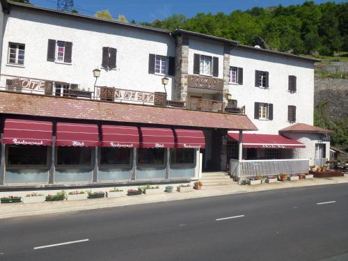 . Hôtel Restaurant Le Pain de Sucre