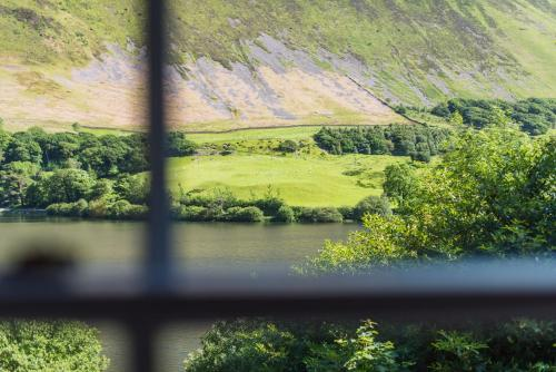 Tal-y-Llyn, Gwynedd, LL36 9AJ, Wales.