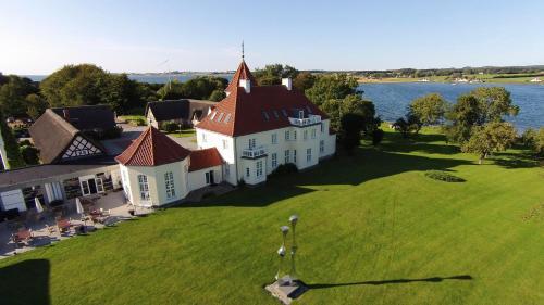 . Gl. Avernæs Sinatur Hotel & Konference
