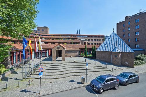 . Maternushaus