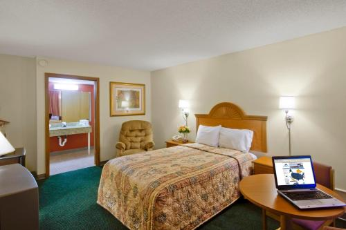 Americas Best Value Inn Tulsa Airport - Tulsa, OK 74116