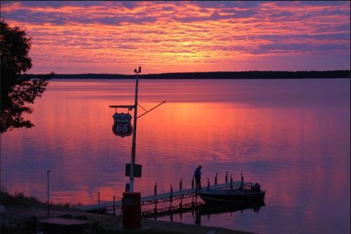 Quarterdeck Resort - Nisswa, MN 56468
