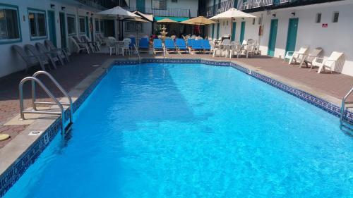 The Amethyst Beach Motel - Point Pleasant Beach, NJ 08742