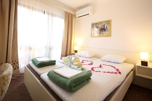 Special Offer - Double Room with Balcony and Sea View with New Year's Package