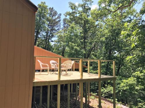 Buck Ridge - Eureka Springs, AR 72632