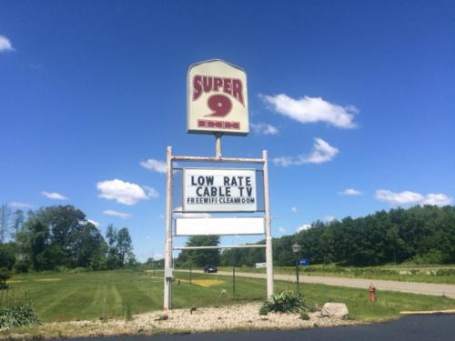 More about Super 9 Motel