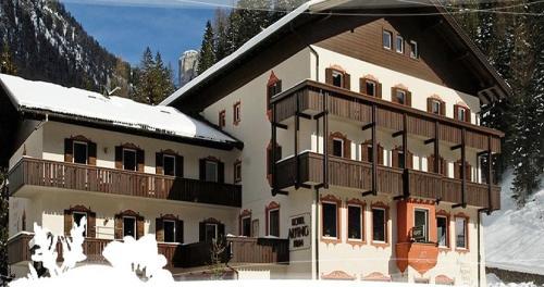 Hotel Alpino Plan Wolkenstein-Selva Gardena