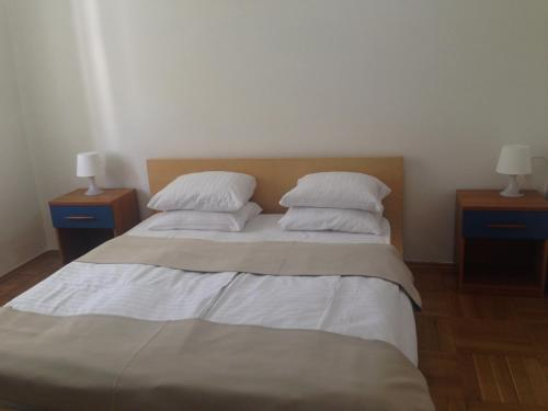 Jecna Apartments