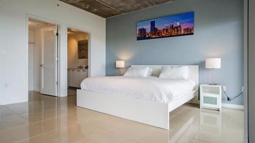 Luxurious 2/2.5 - Miami, FL 33137