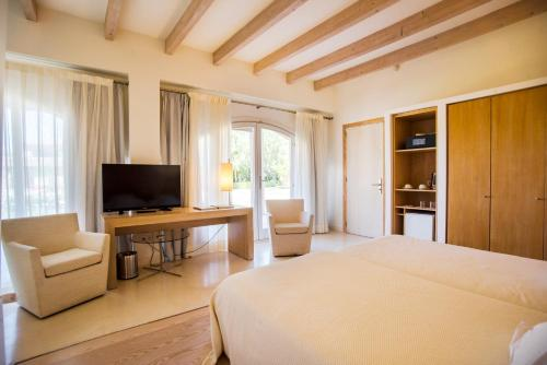 Double or Twin Room with Terrace Hotel Ca'n Bonico 1