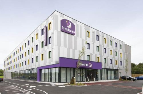 Premier Inn London Stansted Airport Hotel 1