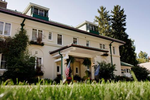 The Belvedere Inn & Restaurant