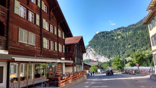 BASE Cafe - Hotel - Lauterbrunnen