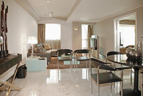Фото отеля Orfeo Suites Cordoba