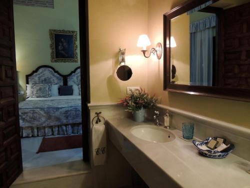 Family Suite - High Floor Casa Palacio Carmen del Cobertizo 11