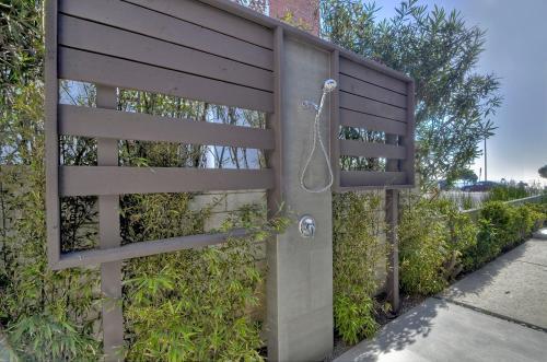 Dolphin Suite ( 2 Bedroom /1 Bath) - Carlsbad, CA 92008