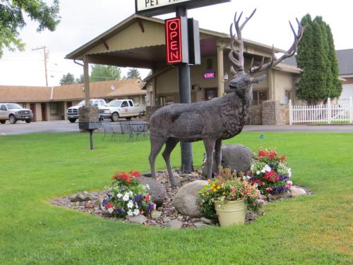 Elk Mountain Inn - Meeker, CO 81641